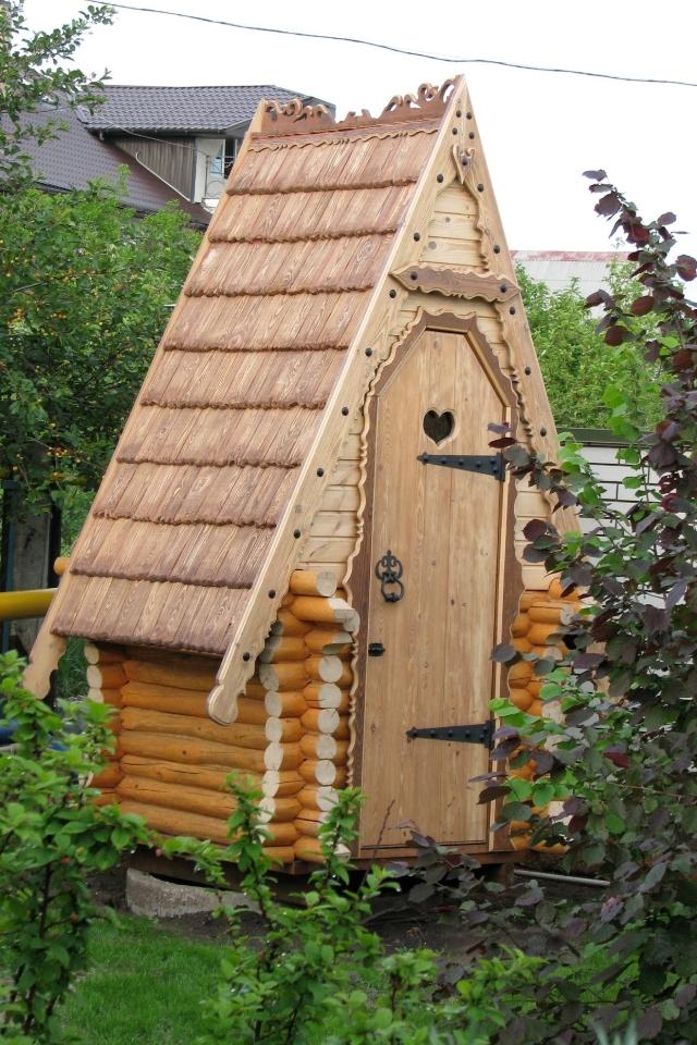 Туалет из дерева своими руками